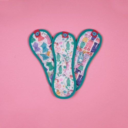 Bloom & Nora Reusable Sanitary Pads 3 pack maxi front